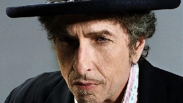 Bob Dylan s-a răzgândit: va merge la Stockholm, dar după ceremonia de decernare a premiilor Nobel