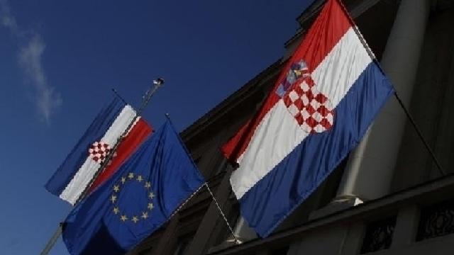 """Croații au spus """"Da"""" aderării la UE"""