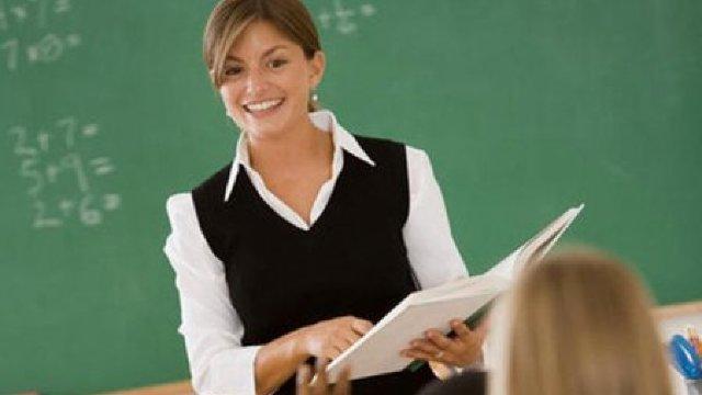 Tinerii profesori își aleg sărăcia odată cu meseria (Adevărul)