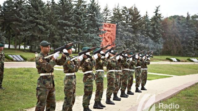 Păstrăm serviciul militar obligatoriu ?
