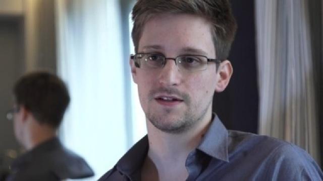 Edward Snowden va sta încă doi ani pe teritoriul Rusiei