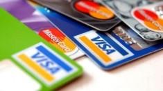 Numărul plăților efectuate cu cardul, în creștere