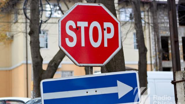 500 de indicatoare rutiere de pe ruta Sărăteni - Soroca au fost furate