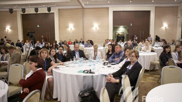 """""""Moldova Business Week"""". Avantajele și riscurile Acordului de Asociere"""