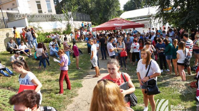 Înscrierea la studii în România se desfășoară începând de astăzi în Chișinău