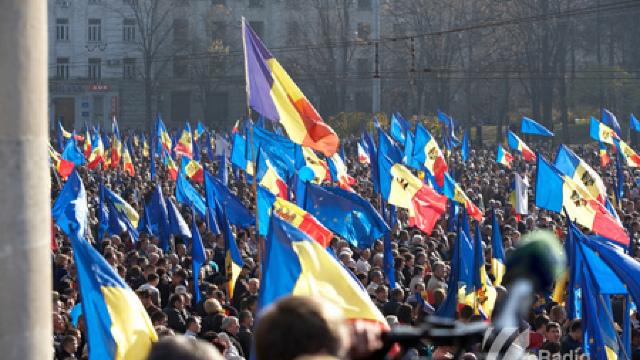 Moldovenii au tot mai multă încredere în UE (Ziarul Național)