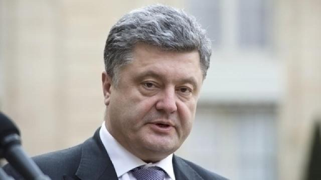 Poroșenko, Hollande și Merkel au avut o nouă convorbire telefonică pe tema situației din Ucraina