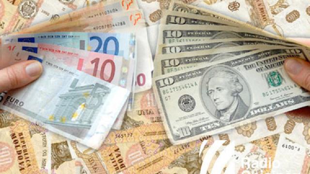Euro și dolarul se vor scumpi în raport cu leul