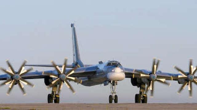 Bombardierul rusesc interceptat de Marea Britanie avea la bord arme nucleare