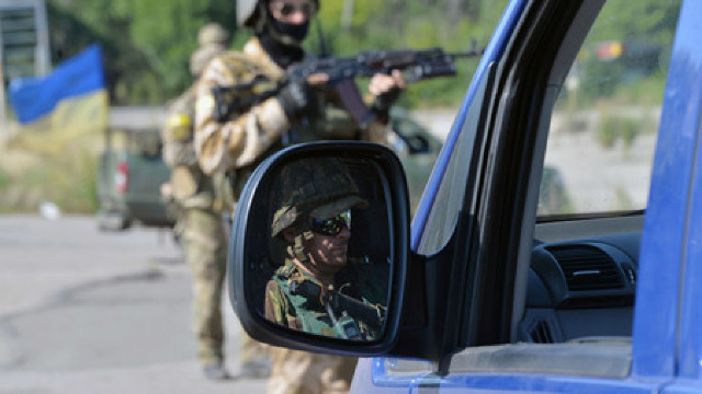 Mii de ucraineni cer azil politic