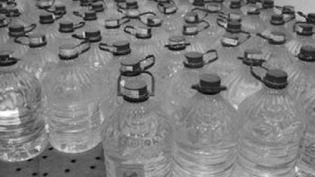 Alcoolul folosit la fabricarea dezinfectanților nu va mai fi scutit de accize