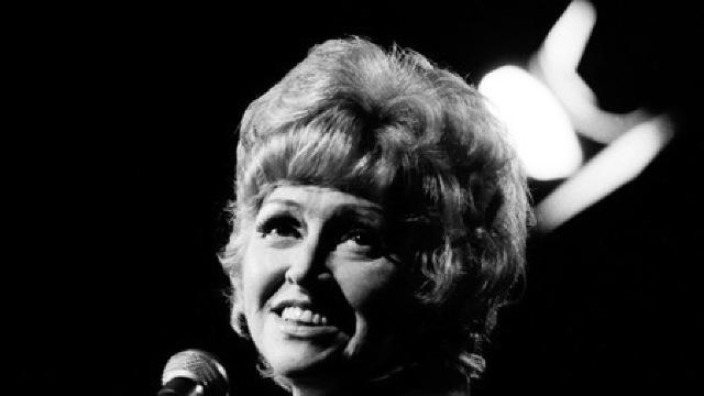 Anita O'Day (1919-2006), cantareata americana de jazz.
