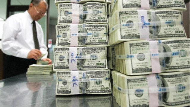 Omul care ia 1,5 milioane dolari ca să vorbească o ORĂ
