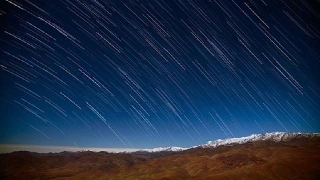 Celebra ploaie de meteori Perseide atinge vârful de activitate în noaptea de 12 spre 13 august