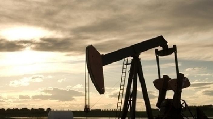 Rusia și OPEC, gata să majoreze producția de petrol dacă piața o va cere