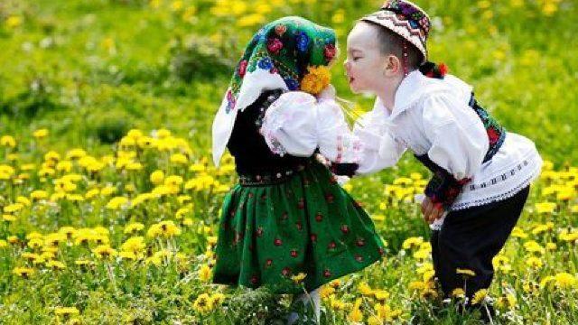 DRAGOBETE 2016. Obiceiuri şi tradiţii de ziua îndrăgostiţilor la români