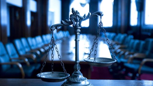 """Orice abatere de la lege trebuie pedepsită, indiferent de faptul cine se află la """"volan"""" (Revista presei)"""