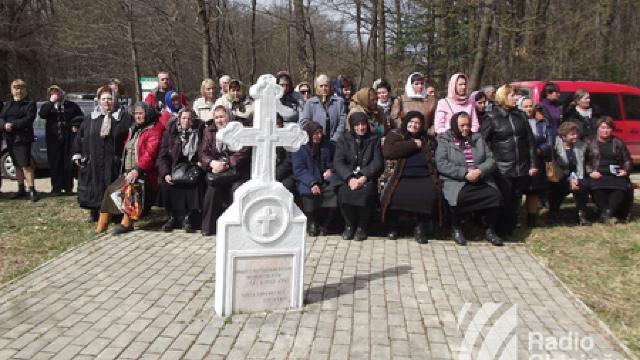 """Mărturii despre Masacrul de la Fântâna Albă: """"Îngropați de vii, lutul s-a mișcat încă mult timp"""""""