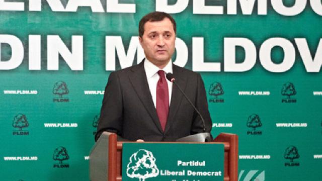 Vlad Filat solicită pe facebook un proces public