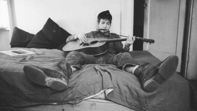 DOCUMENTAR: Muzicianul Bob Dylan împlinește 75 de ani