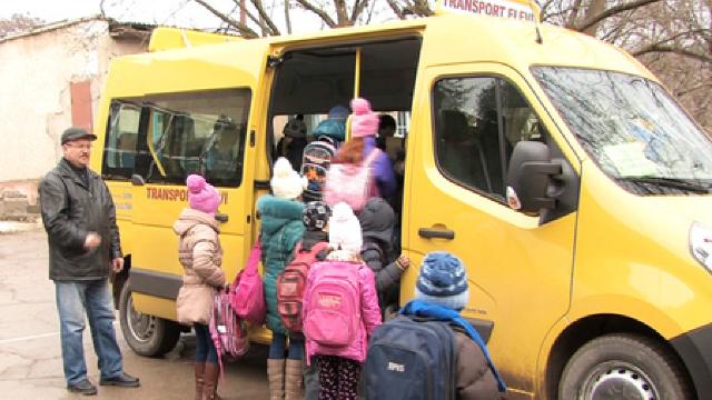 În 2017, România va livra Republicii Moldova încă 100 de microbuze școlare