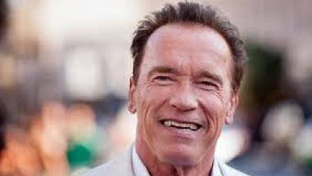 Schwarzenegger îi cere președintelui Trump să îi respingă pe cei care promovează supremația albilor
