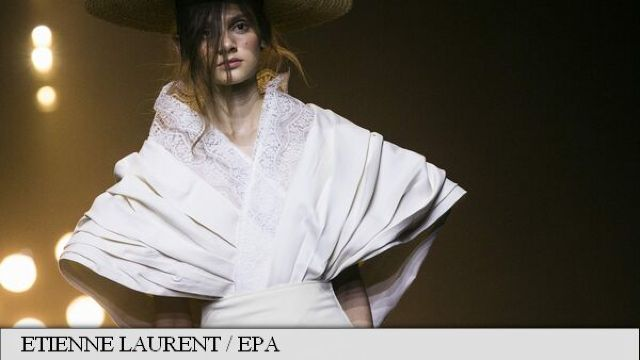 FOTO // Săptămâna Modei de la Paris: Defilări cu tentă orientală japoneză
