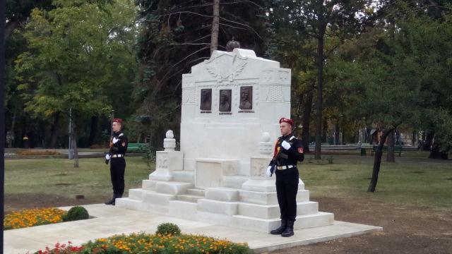FOTO // Noul monument dedicat lui Alexei Mateevici, Simion Murafa și Andrei Hodorogea