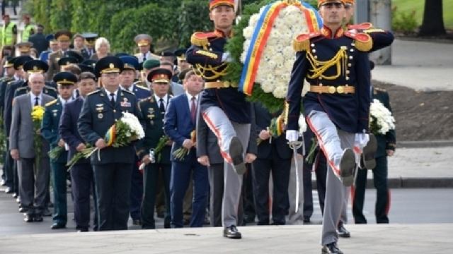 Armata Națională este sărbătorită în toată țara (VIDEO)