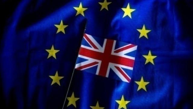 Parlamentul Marii Britanii acordă Guvernului permisiunea de a declanşa procedura ieşirii din UE