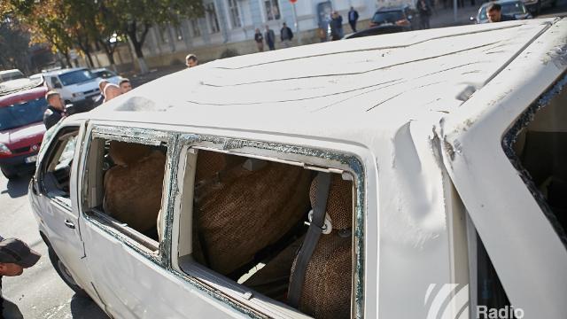 FOTO // Accident grav la intersecția străzilor Serghei Lazo și București în Capitală
