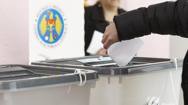 Liderii ACUM cheamă cetățenii duminică la vot: Campanie murdară și resurse administrative, denunțate de opoziție