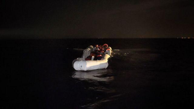 Libia | Bărbați înarmați au atacat o barcă cu migranți: 4 morți, 15 dispăruți