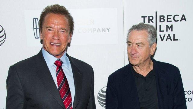 Alegeri SUA | De Niro refuză să se fotografieze cu Schwarzenegger, până acesta declara că nu votează cu Trump
