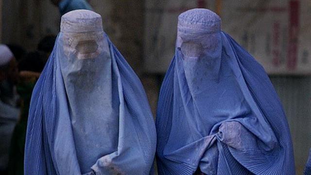 Austria interzice vălul burqa de la începutul lunii octombrie
