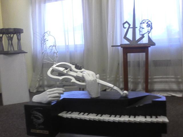Maluri de Prut | Efigia lui Mihai Eminescu din Onești - o poezie cu mereu alte și alte înțelesuri