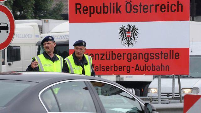 Austria vrea să restricționeze accesul muncitorilor est-europeni