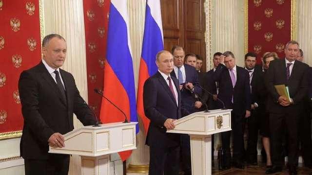 Igor Dodon a mințit la Moscova și planifică falimentul Republicii Moldova (Revista presei)