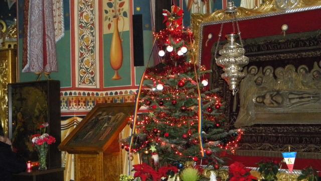 Crăciunul sărbătorit de două ori dezbină oamenii, consideră preoții