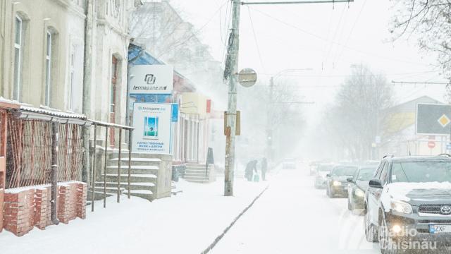 Prima zăpadă în Chișinău   GALERIE FOTO