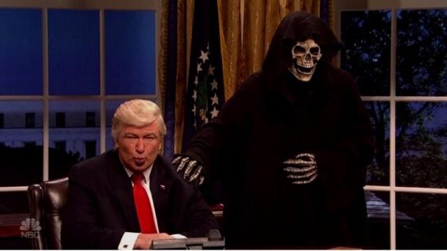 VIDEO | Alec Baldwin l-a ironizat încă o dată pe Donald Trump