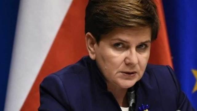 Premierul polonez își va desfășura activitatea din spital