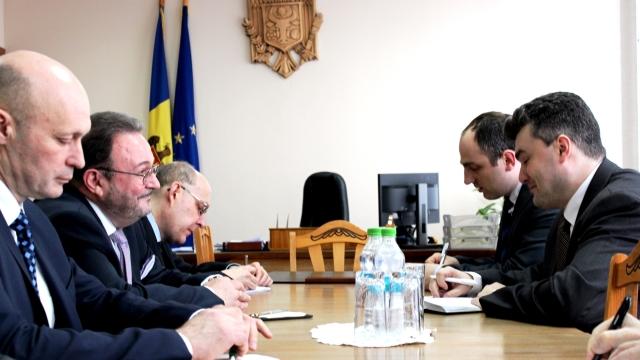 Chișinăul continuă discuțiile cu emisarul Moscovei privind o nouă rundă de negocieri în formatul 5+2