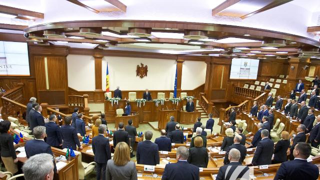 27 martie – motiv de ceartă în Parlament