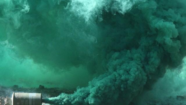 A fost aruncată o nouă fumigenă – sistemul uninominal (Revista presei)