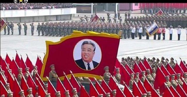 VIDEO   Coreea de Nord organizează o paradă militară impresionantă, la 105 ani de la naşterea lui Kim Ir-sen