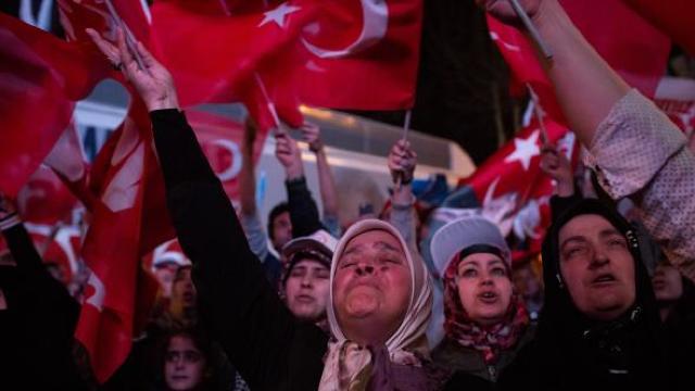 ANALIZĂ | Încotro va merge economia Turciei după referendum