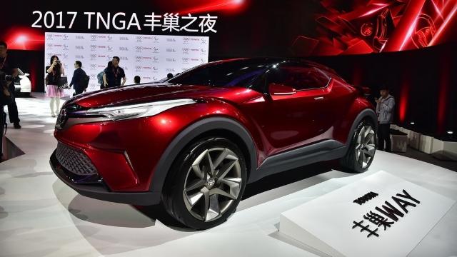 FOTO/VIDEO | Salonul auto de la Shanghai - o vitrină de prezentare pentru prima piață mondială de automobile