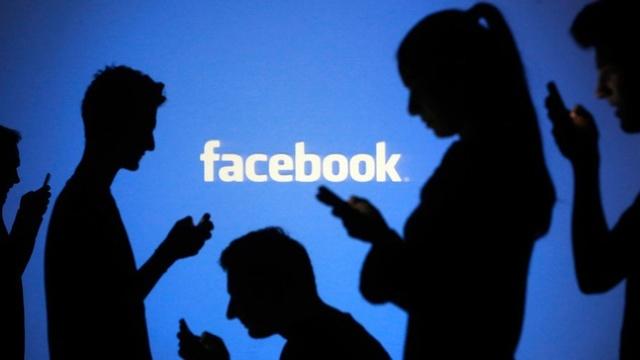 Mark Zuckerberg se angajează să remedieze problema știrilor false pe Facebook