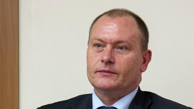Aureliu Ciocoi/Europa Liberă | Haideți să terminăm cu comedia depunerii cererilor de aderare a Republicii Moldova la UE! (Revista presei)